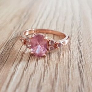 Jewelry - {Sz 7,8} Peach Sapphire & Diamond Rose Gold Ring